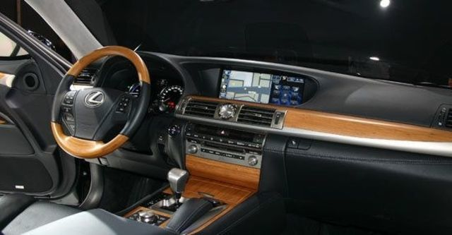 2013 Lexus LS 600hL OTTOMAN  第4張相片