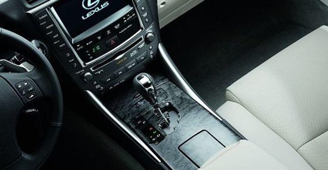 2012 Lexus ISC 250 魅惑Navi版  第10張相片