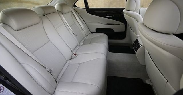 2012 Lexus LS 600hL五人座OTTOMAN  第8張相片