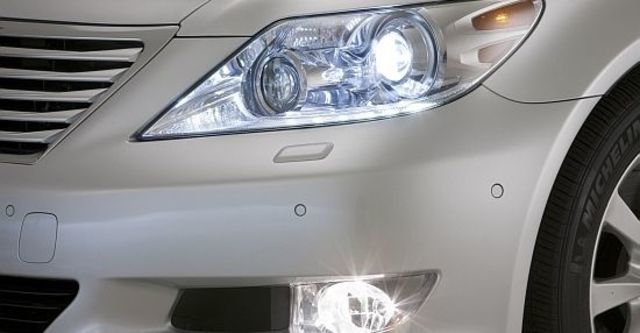 2011 Lexus LS 460  第3張相片