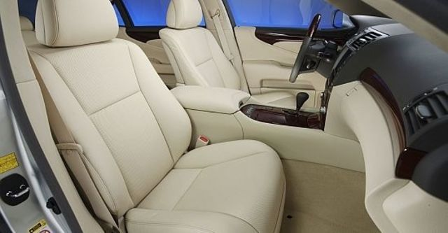 2011 Lexus LS 460  第7張相片