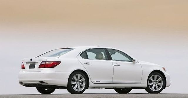 2011 Lexus LS 600hL  第4張相片