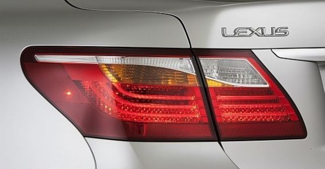 2010 Lexus LS 460  第5張相片