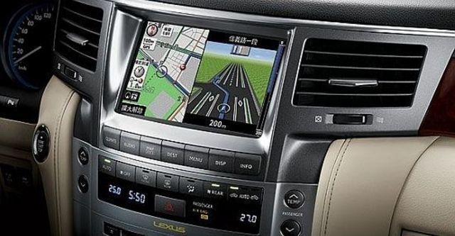 2010 Lexus LX 570  第6張相片