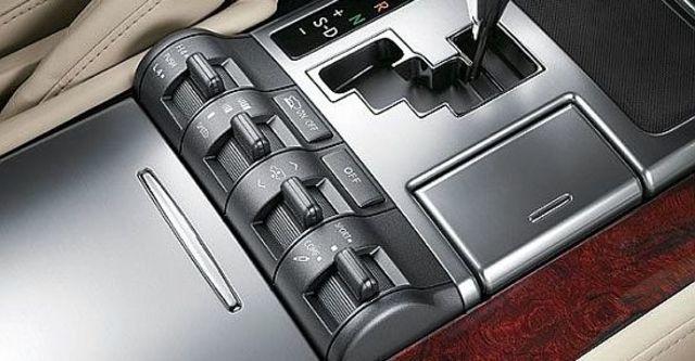 2010 Lexus LX 570  第9張相片