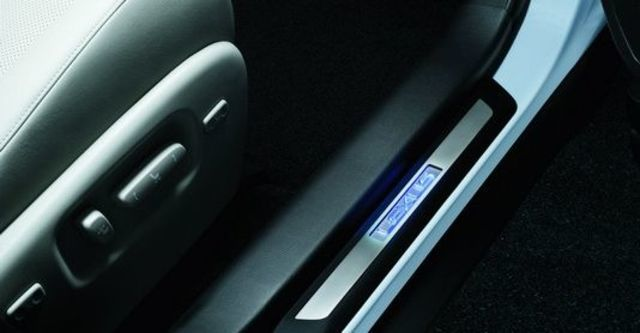2009 Lexus RX 450h  第10張相片