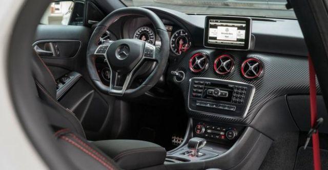 2015 M-Benz A-Class A45 AMG 4MATIC  第7張相片