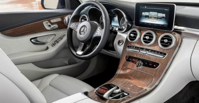 2015 M-Benz C-Class Sedan C200 Exclusive  第6張相片