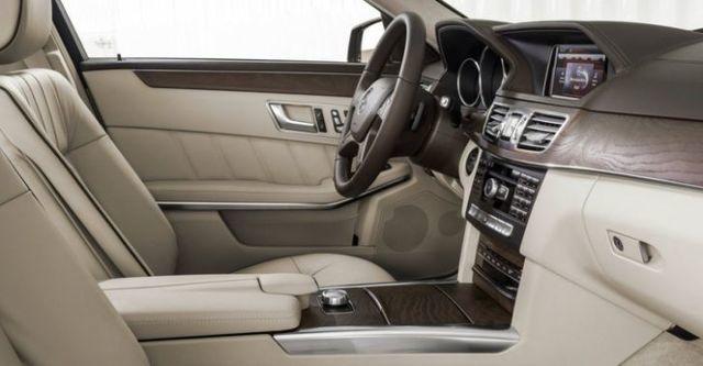 2015 M-Benz E-Class Sedan E200 Classic  第8張相片
