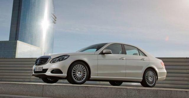 2015 M-Benz E-Class Sedan E250 Elegance  第3張相片