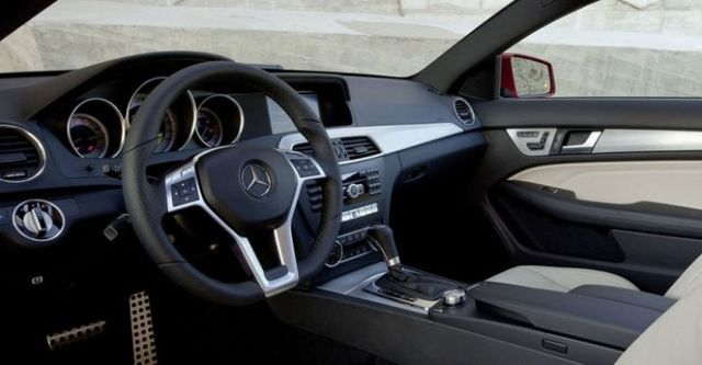 2014 M-Benz C-Class Coupe C250 BlueEFFICIENCY  第8張相片