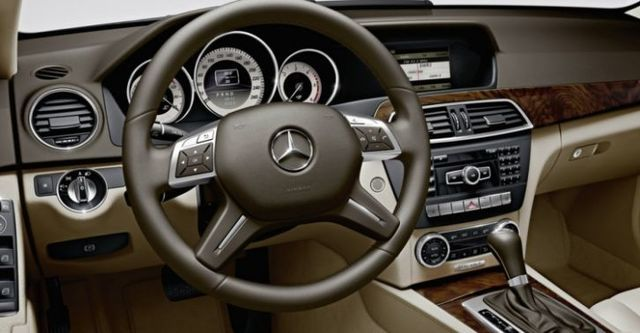 2014 M-Benz C-Class Sedan C220 CDI  BlueEFFICIENCY Classic標準版  第6張相片