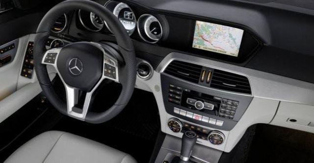 2014 M-Benz C-Class Sedan C300 BlueEFFICIENCY Avantgarde  第7張相片