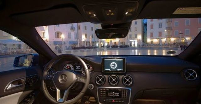 2013 M-Benz A-Class A180 Style BlueEFFICIENCY  第6張相片