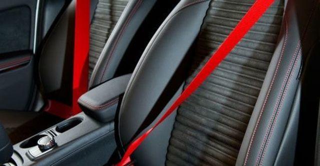 2013 M-Benz A-Class A250 Sport  第7張相片