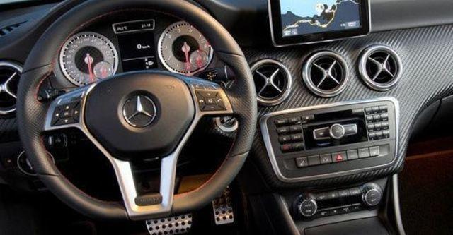 2013 M-Benz A-Class A250 Sport  第11張相片