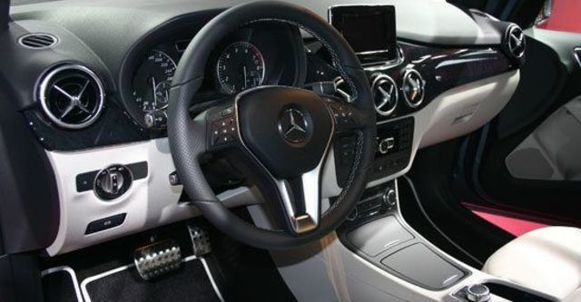 2013 M-Benz B-Class B200 BlueEFFICIENCY  第3張相片