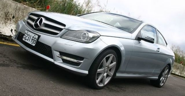 2013 M-Benz C-Class Coupe C350 BlueEFFICIENCY  第1張相片
