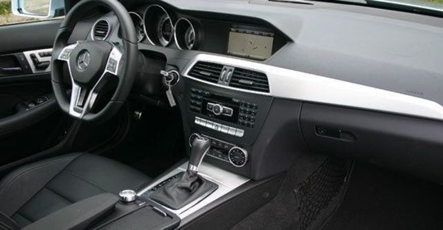 2013 M-Benz C-Class Coupe C350 BlueEFFICIENCY  第9張相片