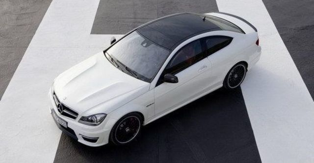 2013 M-Benz C-Class Coupe C63 AMG  第4張相片
