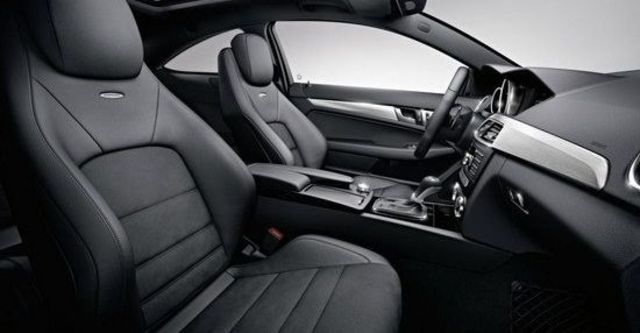 2013 M-Benz C-Class Coupe C63 AMG  第9張相片