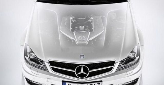2013 M-Benz C-Class Coupe C63 AMG  第11張相片