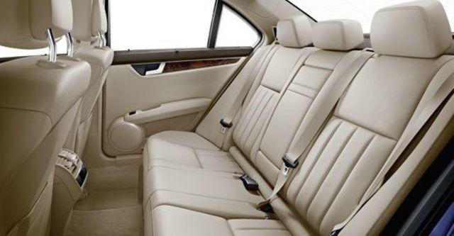 2013 M-Benz C-Class Sedan C220 CDI  BlueEFFICIENCY Classic標準版  第8張相片