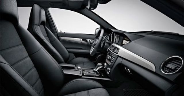 2013 M-Benz C-Class Sedan C63 AMG  第7張相片