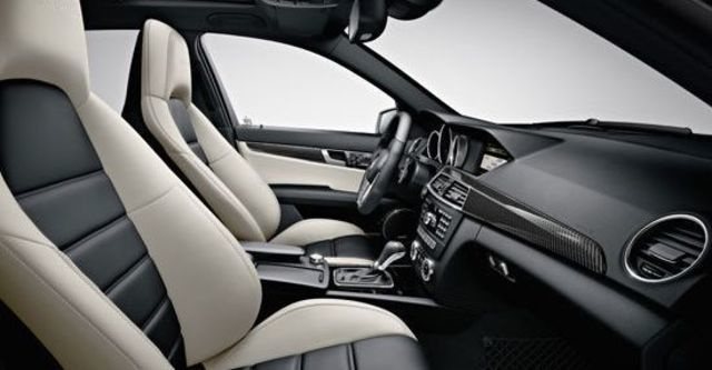 2013 M-Benz C-Class Sedan C63 AMG  第9張相片