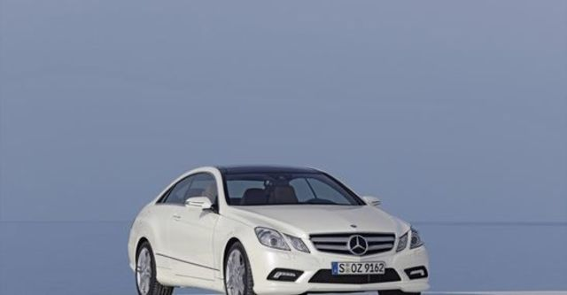 2013 M-Benz E-Class Coupe E350 BlueEFFICIENCY  第1張相片