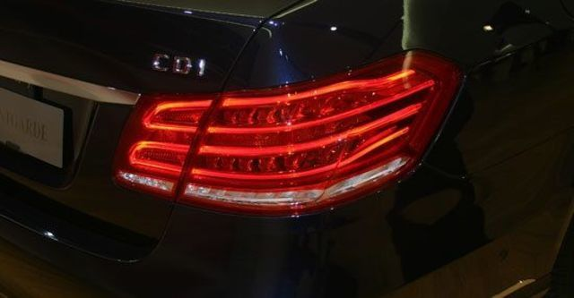 2013 M-Benz E-Class Sedan(NEW) E220 CDI Avantgarde  第11張相片