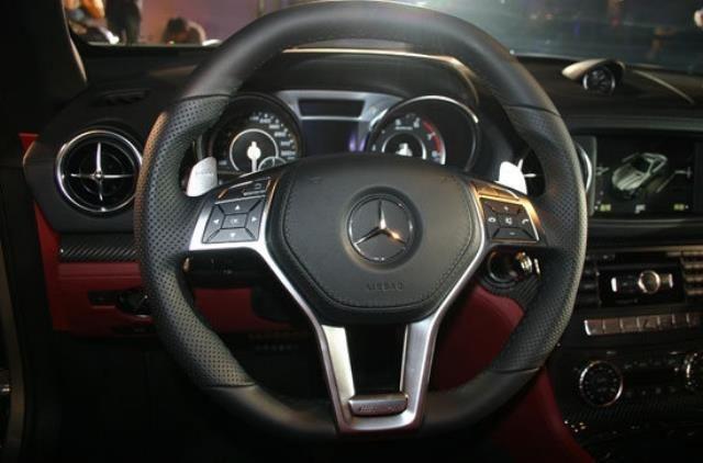 2013 M-Benz SL-Class SL63 AMG  第7張相片