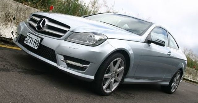 2012 M-Benz C-Class Coupe C350 BlueEFFICIENCY  第1張相片