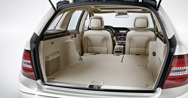 2012 M-Benz C-Class Estate C300 Avantgarde  第7張相片