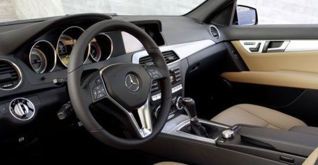 2012 M-Benz C-Class Estate C300 Avantgarde  第10張相片