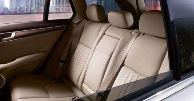 2012 M-Benz C-Class Estate C300 Avantgarde  第11張相片