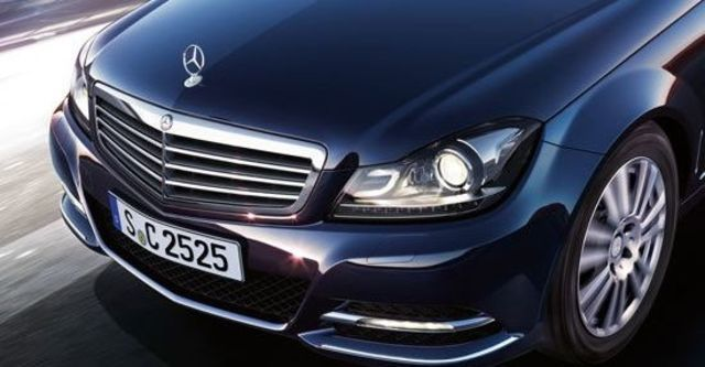 2012 M-Benz C-Class Sedan C200 BlueEFFICIENCY Classic  第3張相片