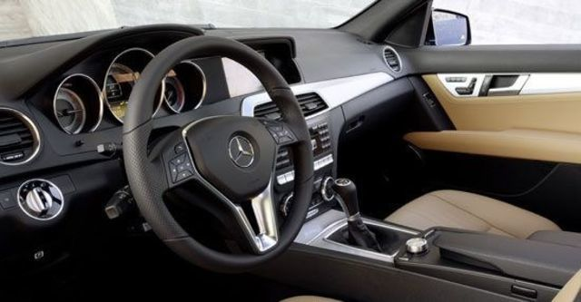 2012 M-Benz C-Class Sedan C300 BlueEFFICIENCY Avantgarde  第5張相片