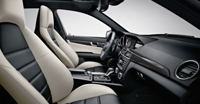 2012 M-Benz C-Class Sedan C63 AMG  第9張相片