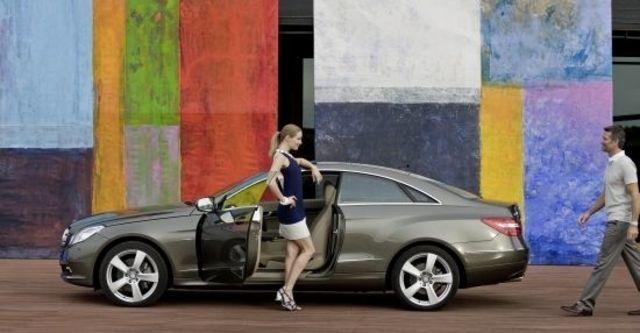2012 M-Benz E-Class Coupe E250 BlueEFFICIENCY  第5張相片