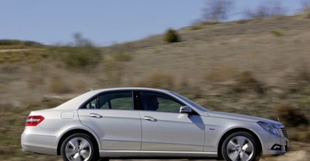 2012 M-Benz E-Class Sedan E350 BlueEFFICIENCY Avantgarde  第4張相片