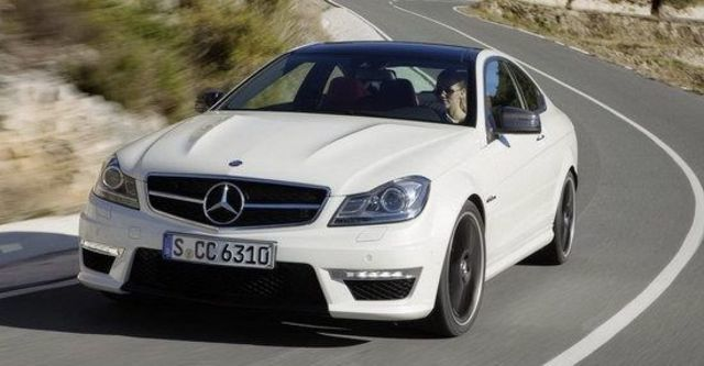 2011 M-Benz C-Class Coupe C63 AMG  第2張相片