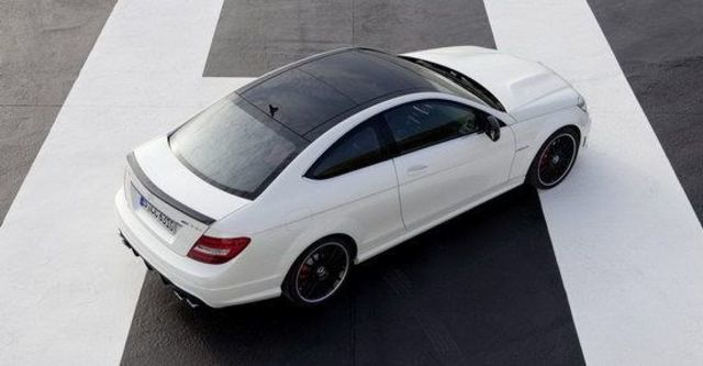 2011 M-Benz C-Class Coupe C63 AMG  第5張相片