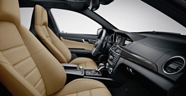 2011 M-Benz C-Class Estate C300 Avantgarde  第4張相片