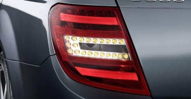 2011 M-Benz C-Class Estate C300 Avantgarde  第5張相片