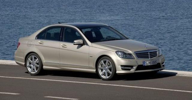 2011 M-Benz C-Class Sedan C180 BlueEFFICIENCY Classic  第2張相片