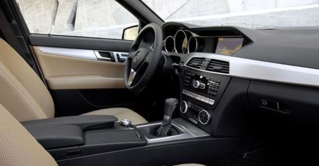 2011 M-Benz C-Class Sedan C300 BlueEFFICIENCY Avantgarde  第12張相片