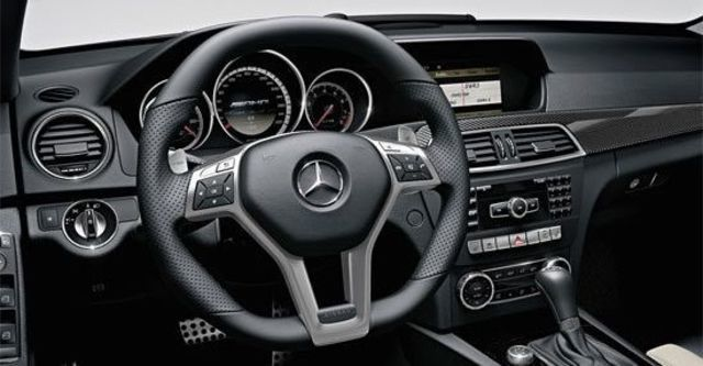 2011 M-Benz C-Class Sedan C63 AMG  第6張相片