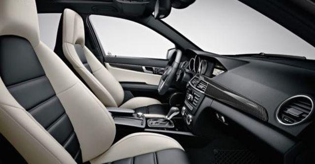 2011 M-Benz C-Class Sedan C63 AMG  第9張相片