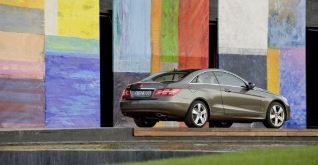 2011 M-Benz E-Class Coupe E250 CGI Avantgarde  第3張相片